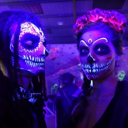 Fiesta Neón UV México